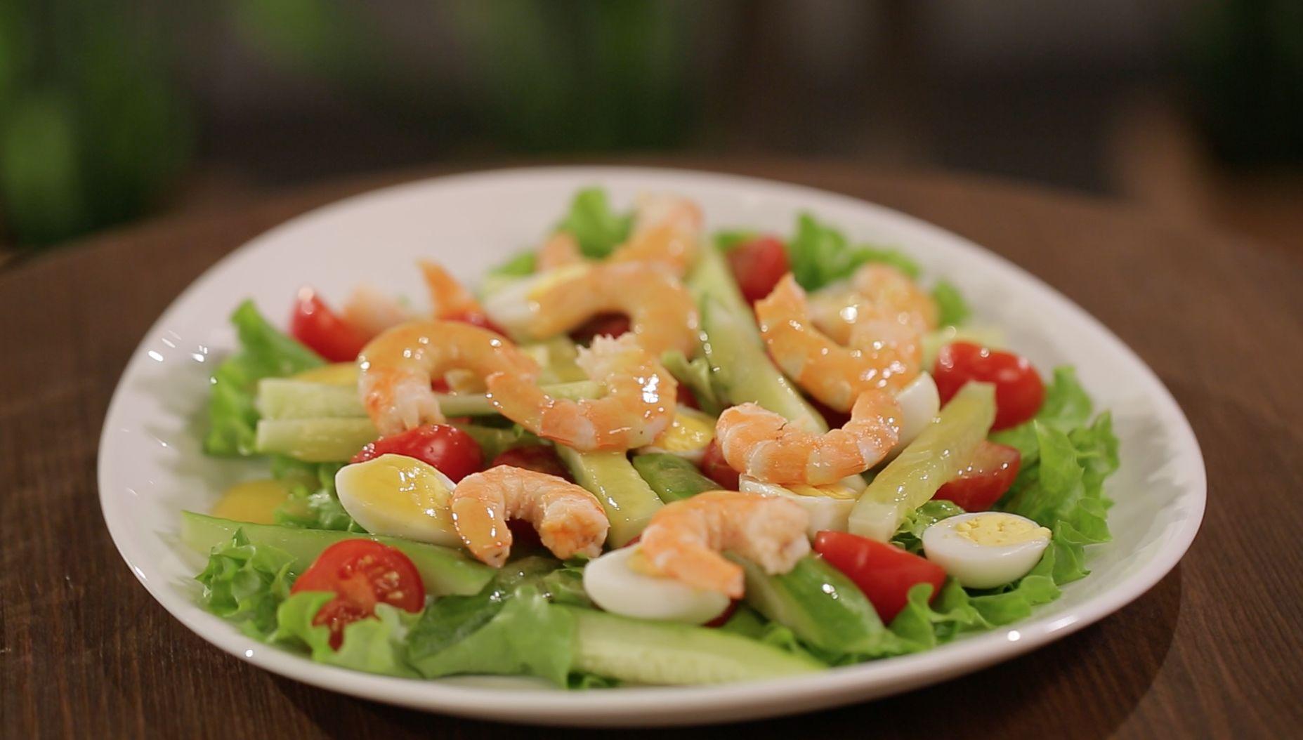 Салат с креветками и яйцами рецепт